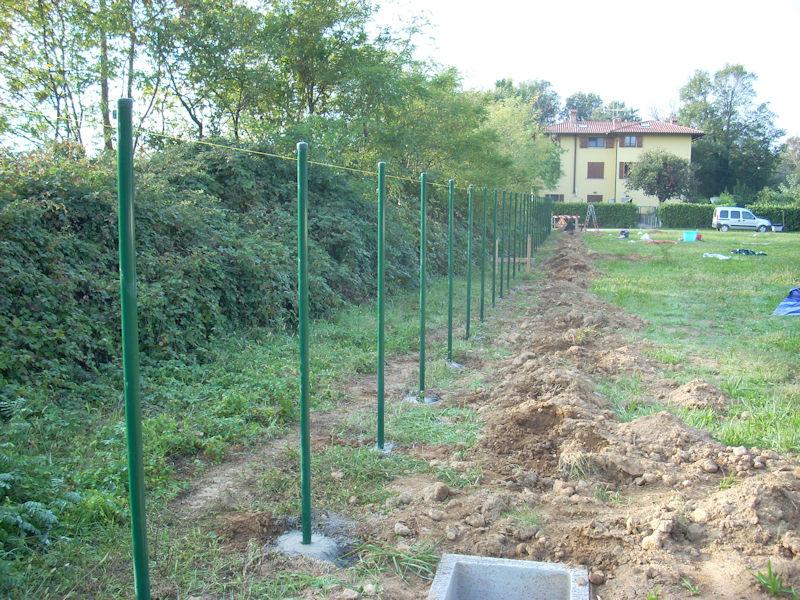 Recinzioni bergamo pali in cemento e recinzioni for Pali cemento per recinzione